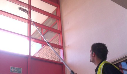 Internal Window Cleaning - The Dragonfly System